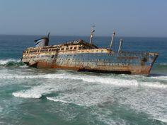 ++Inspiration for Death Skulls clan blue    American Star Ship Wreck - Fuertaventura November 2005 - Derelict Places
