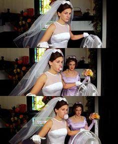 Julia Roberts and Joan Cusack  in Runaway Bride 1999
