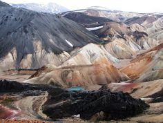 The Brennisteinsalda is a volcano in the south of Iceland. Its height is about 855 m. It is situated near Landmannalaugar and not far from Hekla.
