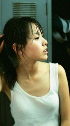 The Beauty Products Beautiful Japanese Girl, Beautiful Young Lady, Beautiful Asian Girls, Japanese Beauty Secrets, Human Poses Reference, Cute Beauty, Asia Girl, Bikini Pictures, Bikini Pics