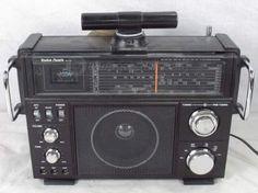 Radio Shack SW-100 Multiband Radio Receiver