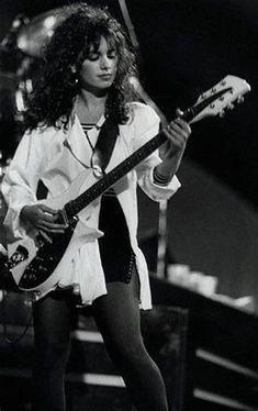 Susanna Hoffs, Female Guitarist, Female Singers, Alex Turner, Cj Jeep, Women Of Rock, Guitar Girl, Music Promotion, Music Photo