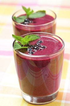 Delicious, healthy, appetizing smoothie recipes that only require 5 ingredients or less!