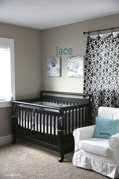 Jamielyn refurnished her nursery walls with the help of Shutterfly. Check out that canvas wall art! #sflydecor