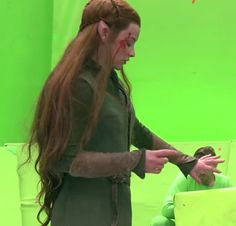 BOTFA behind the scenes---> I cant wait to see her die. I hope its messy and unattractive. She deserves it. The Hobbit Movies, O Hobbit, Elven Woman, Kili And Tauriel, Lotr Cast, Mirkwood Elves, Elf Cosplay, Elf Warrior, Jackson