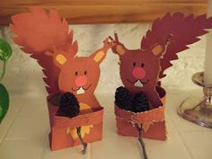 Squirrel Craft- A unique movie night theming idea from Southern Outdoor Cinema Mehr Autumn Crafts, Autumn Art, Autumn Theme, Animal Crafts For Kids, Animals For Kids, Diy For Kids, Preschool Crafts, Kids Crafts, Arts And Crafts