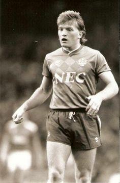 Stuart McCall November 1988 Football S, Retro Football, Football Cards, Football Players, Everton Fc, November, Soccer, Club, Heart