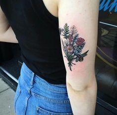 Tattoo Designs: Wildflower tricep tat by Chris Stockings Pretty Tattoos, Cute Tattoos, Beautiful Tattoos, Tattoos Pics, Tatoos, Tattoo Girls, Star Tattoos, Body Art Tattoos, Texas Tattoos