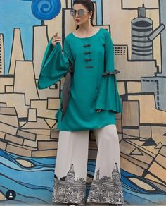 14 August (Independence Day) Dresses Designs for Pakistani Girls Pakistani Dresses Casual, Pakistani Dress Design, Casual Summer Dresses, Simple Dresses, Casual Outfits, Pakistani Couture, Pakistan Fashion, Indian Designer Wear, Classy Dress