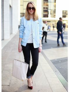 Simple street style starts with a great pair of jeans. https://www.joyus.com/fashion/1-2118/denim-bar-four-essential-styles-hosted-by-tienlyn-jacobson