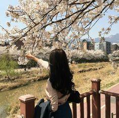 Ulzzang Korean Girl, Cute Korean Girl, Asian Girl, Aesthetic Photo, Aesthetic Girl, Aesthetic Pictures, Beige Aesthetic, Face Photo, Cute Girl Photo