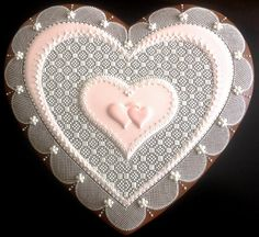 Расписные пряники Lace Cookies, Heart Cookies, Fun Cookies, Cupcake Cookies, Sugar Cookies, Valentine Cookies, Holiday Cookies, Valentine Crafts, Valentines