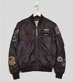 e65f479a5f466 Alpha Industries MA-1 Pilot Badge Jacket Casacos Masculinos, Moda Militar,  Militares Masculinos