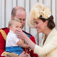 Princess Charlotte Changed Hair Style at Trooping the Colour | PEOPLE.com Princess Anne, Prince And Princess, Princess Charlotte, Baby Prince, Duchess Kate, Duke And Duchess, Duchess Of Cambridge, Kate Middleton, Ran Nfl