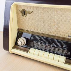 Antigua radio Telefunken   Otros   Objetos y decoración