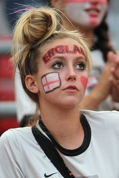girl with World Cup England flag face painting - heart, England quotes Hot Football Fans, Football Is Life, Football Girls, Girls Soccer, Soccer Fans, Sporty Girls, Female Football, Soccer World Cup 2018, Fifa