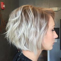 Ash+Blonde+Wavy+Layered+Bob