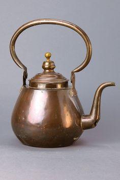 Kettle, Ottoman to 1760-1820, driven copper : Lot 4622