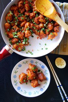 Gobi Manchurian - crispy cauliflower tossed with a delicious, garlicky manchurian sauce