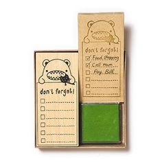 <p>Don't forget houten stempel 11 x 5 cm, een blauw stempelkussen en 60 kraft stickynotes 11 x 5 cm.<br />Lijstjes maken wordt zo wel heel erg leuk.</p>