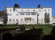 Back to School Part Wiener Werkstätte The Sanatorium Purkersdorf in Austria was designed by Josef Hoffmann and Wiener Werkstätte in Photo courtesy of Knoji. Contemporary Architecture, Modern Contemporary, Vienna Secession, Art Deco Buildings, Austria, Art Nouveau, Back To School, Restoration, Villa