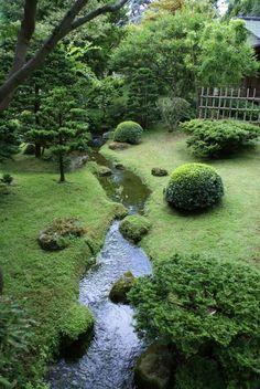 Einfache DIY Hinterhof Landschaftsbau mit kleinem Budget - front yard landscaping ideas on a budget Large Backyard Landscaping, Backyard Garden Design, Landscaping Ideas, Mulch Landscaping, Backyard Ideas, Garden Ideas, Easy Garden, Mulch Ideas, Landscaping Borders
