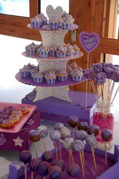 Mesa de postres Sweet Dreams y Candy Bar para la Comunión de Claudia