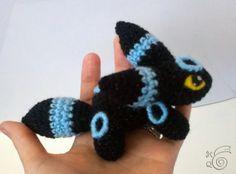 Pokemon Umbreon (Shiny) Teenie Beanie Amigurumi (Crochet)