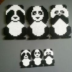 Animals his pandas love – Bügelperlen – Hama Beads Perler Bead Designs, Perler Bead Templates, Hama Beads Design, Diy Perler Beads, Perler Bead Art, Fuse Bead Patterns, Perler Patterns, Beading Patterns, Diy Animal Gift Wrap