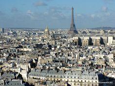 Today was a beautiful sunny day in #Paris! Here is a photo we took this morning from the tower of Notre-Dame. // Aujourd'hui, il a fait très beau à Paris ! Voici une photo prise ce matin de la tour de Notre-Dame. www.frenchmoments.eu/paris-ile-de-france/