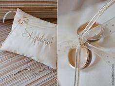 #wish #isispetroni #photography #wedding #ring #pillow