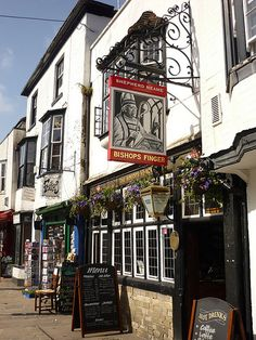 The Bishops Finger, Canterbury, Kent, England. A 16th century pub that takes its name from the fingerposts sited along the Pilgrims Way in Kent. They showed the pilgrims the route to Thomas a Becket's shrine in Canterbury Cathedral before it was destroyed by Henry VIII in the 16th century.