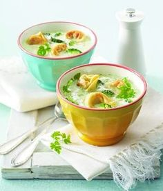 Broccoli Soup with Tortellini Recipe Broccoli Recipes, Soup Recipes, Cream Of Broccoli Soup, Brocoli Soup, Cream Soup, Healthy Cooking, Healthy Recipes, Tortellini Recipes, Soup Kitchen