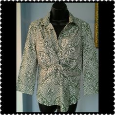 """Ann Taylor Top Green and cream colored top. Zipper on the side. Measures 19"""" across the chest and is 24"""" long with 3/4"""" sleeves. Ann Taylor Tops"""