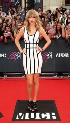 Taylor Swift in Herve Leger at #MMVA 2013 http://www.fashionmagazine.com/blogs/society/2013/06/17/mmva-2013/