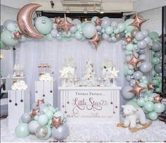 Gender Reveal Party Decorations, Baby Gender Reveal Party, Girl Baby Shower Decorations, Gender Neutral Baby Shower, Baby Shower Themes, Baby Boy Shower, Baby Shower Cake Pops, Balloon Decorations, Shower Ideas