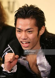Daisuke Takahashi of Japan poses in the men's free skate during the World Figure Skating Championships at the Tokyo Gymnasium on March 22, 2007 in Tokyo, Japan.
