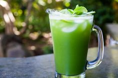 Looking for the best Agua Fresca recipes? Get recipes like Agua de Jamaica (Hibiscus Tea), Cucumber Lime Mint Agua Fresca and Strawberry Watermelon Agua Fresca from Simply Recipes. Juice Smoothie, Smoothie Recipes, Smoothies, Juicer Recipes, Simply Recipes, Other Recipes, Kombucha, Fresco, Non Alcoholic Drinks