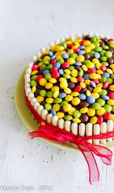 Gâteau d'anniversaire aux bonbons chocolatés - Recette - Marcia 'Tack