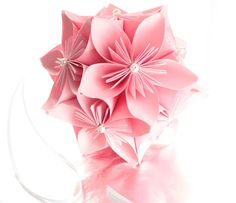 Do you know how to do origami, @Jen Kim? I used to do it when I was younger... another craft idea.