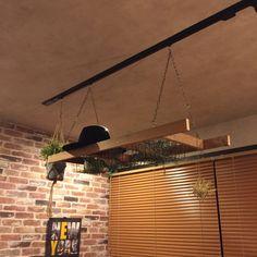 Hayatoさんの、観葉植物,ラダーDIY,はしご,フェイクグリーン,アンティーク,ブルックリン,照明,インダストリアル,DIY,カフェ風,ブラインド,おしゃれ,吊り下げ収納,壁/天井,のお部屋写真