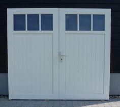 Maatwerk houten garagedeuren Roll Up Garage Door, Garage Doors, Small Space Living, Small Spaces, Garages, Mobile Home Makeovers, Garage Door Styles, Front Doors With Windows, Garage Studio