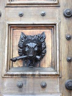 Door knocker at front door of Highclere Castle (aka Downtown Abbey) - taken by moi Castle Howard, Door Knobs And Knockers, Door Detail, Victorian Furniture, Door Accessories, Unique Doors, Door Furniture, Downton Abbey, Door Handles