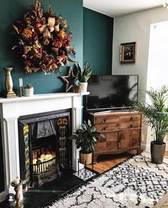33 Charming Rustic Living Room Wall Decor Ideas for a Fabulous Relaxing Space - The Trending House Living Room Green, Living Room Colors, New Living Room, Living Room Decor, Small Living, Home Interior, Living Room Interior, Living Room Furniture, Interior Design