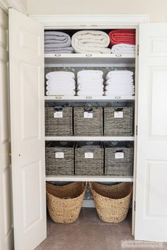 Linen Closet Organization - How to organize your linen closet If you have dysfunctional basic wire shelving in your closet, Jen Woodhouse shows you how to organize your linen closet and give it a complete makeover! Linen Closet Organization, Home Organisation, Bathroom Organization, Bathroom Storage, Small Bathroom, Clutter Organization, Home Storage Ideas, Organization Ideas For The Home, Playroom Storage