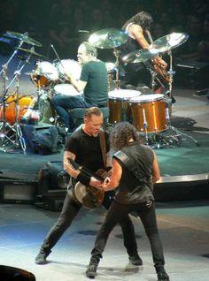 A band history, biography, and discography of thrash metal pioneers, Metallica. Jason Newsted, Music Love, Live Music, My Music, Cliff Burton, Robert Trujillo, James Hetfield, Metallica Live, Ride The Lightning