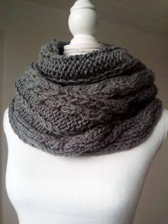 Snood femme, écharpe circulaire - écharpe tricotée main - col écharpe  tricoté main - écharpe 16975f44243