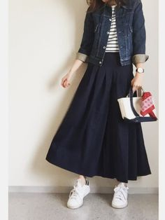 30 Looks ideas Street Hijab Fashion, Muslim Fashion, Modest Fashion, Korean Fashion, Fashion Outfits, Womens Fashion, Fashion Trends, Long Skirt Fashion, Japan Fashion