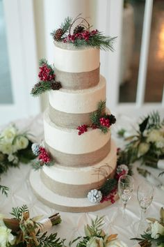 Your winter wedding NEEDS this cake with cranberry and pine details! How beautiful! {Arte De Vie}