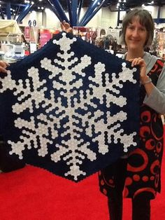 Hexie snow flakes - oh my, look at those hexagons... #verymerrymodachristmas